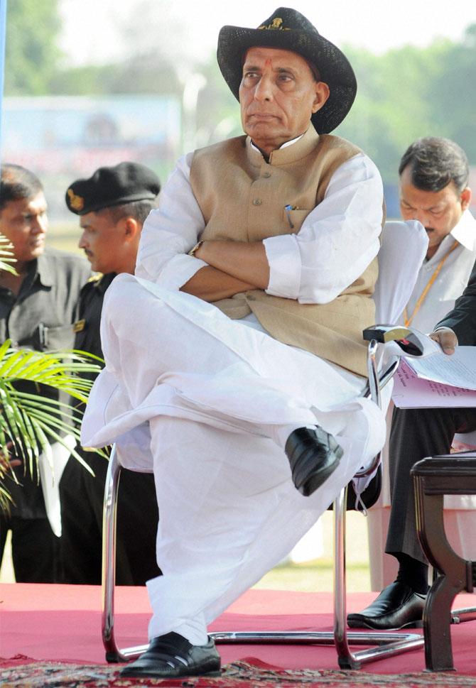 केंद्रीय गृहमंत्री राजनाथ सिंह हे गुडगाव येथे झालेल्या '३०व्या रायझिंग डे' स्मरणोत्सवाला उपस्थित होते. (छायाः पीटीआय)