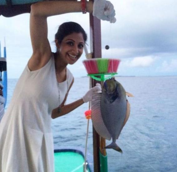 शिल्पाने यावेळी मासेमारीचाही आनंद लुटला. (छाया- इंस्टाग्राम)