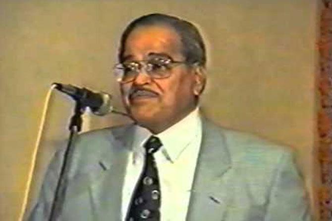 Gajanan Pendharkar,विको उद्योगसमूहाचे अध्यक्ष गजानन पेंढारकर