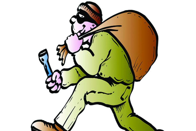 Theft,Tahsildars house, dhule,marathi news, marathi