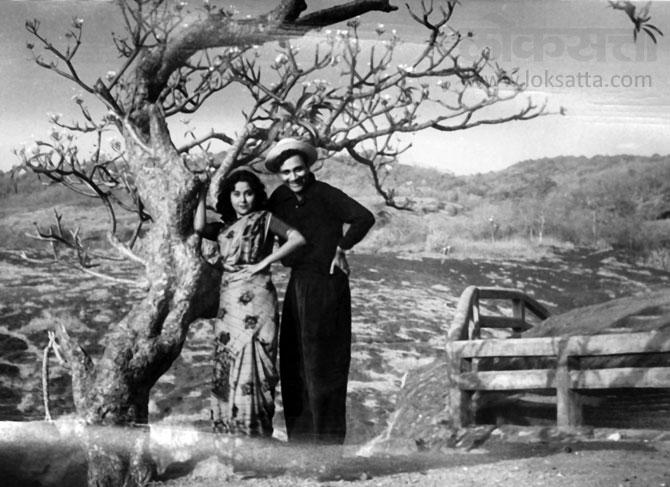 फिल्म स्टार स्मृती विश्वास आणि देव आनंद. (एक्स्प्रेस फोटो)