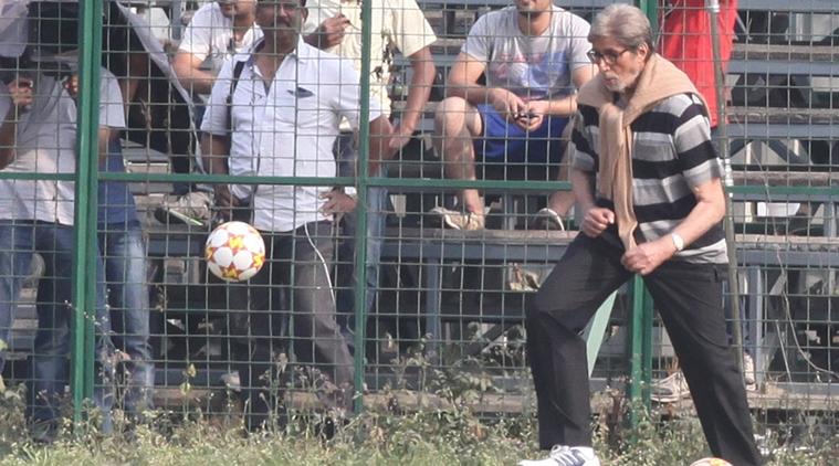 Amitabh Bachchan, bollywood, football, Teen, Loksatta, Loksatta news, Marathi, Marathi news
