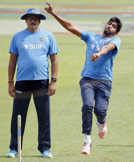 बांगलादेशविरुद्धच्या लढतीपूर्वी टीम इंडियाचा कसून सराव..