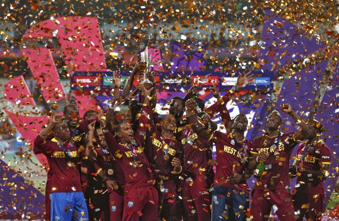 ट्वेन्टी-२० विश्वचषक स्पर्धेत वेस्ट इंडिजने इंग्लंडवर मात करून यंदा दुसऱयांदा स्पर्धेचे विजेतेपद पटकावले. विजेतेपदावर कब्जा केल्यानंतर विंडीज खेळाडूंनी आपल्या खास कॅरेबियन स्टाईलने सेलिब्रेशन केले. यंदाच्या ट्वेन्टी-२० 'चॅम्पियन्स'च्या विजयाच्या सेलिब्रेशनचे काही निवडक क्षण..