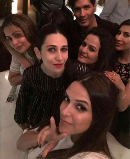 bollywood party, manish malhotra