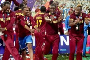 पाहा: विंडिजच्या विजयानंतरचा युसेन बोल्टचा 'चॅम्पियन डान्स'