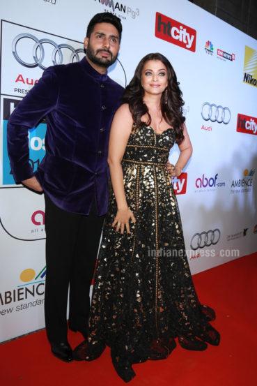 बॉलीवूड अभिनेता अभिषेक बच्चन देखील या पुरस्कार सोहळ्याला उपस्थित होता. अभिषेकने जांभळ्या रंगाचा वेलवेट कोट आणि काळ्या रंगाच्या पँटला पसंती दिली. (छाया- एपीएच )