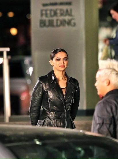 'xXx: Return of Xander Cage' चित्रपटाच्या चित्रीकरणाच्या शेवटच्या दिवशी दीपिका काळ्या रंगाच्या जॅकेटमध्ये दिसून आली. एका बायकरप्रमाणे दीपिकाला वेशभुषा देण्यात आली होती.