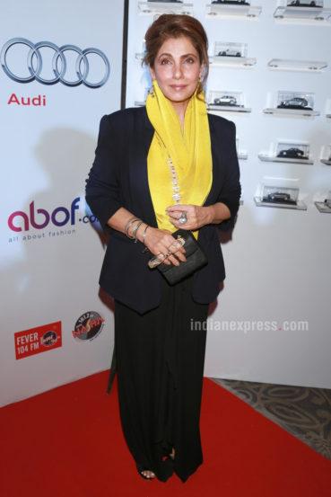 अभिनेत्री डिंपल कपाडियाला देखील पुरस्काराने सन्मानित करण्यात आले. डिंपल कपाडियाला 'लिविंग लेजंड' पुरस्कार प्रदान करण्यात आला. डिंपल कपाडियाने पुरस्कार सोहळ्यासाठी साध्या आणि सरळ वेशभूषेला पसंती दिली होती. (छाया- एपीएच)