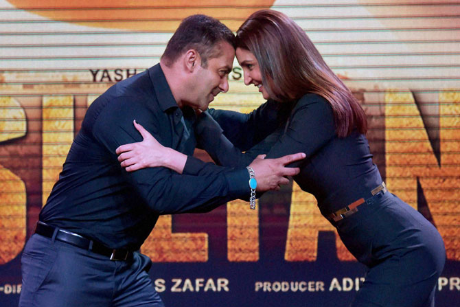 Sultan , Salman Khan , Aarfa, Anushka Sharma , Sultan trailer , Bollywood, Entertainment, anushka sharma hot pics, Loksatta, Loksatta news, Marathi, Marathi news