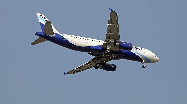 Pilot , IGI Airport in Delhi , Pilot says distracted by laser beam before landing at IGI Airport in Delhi , Loksatta, Loksatta news, Marathi, Marathi news