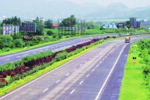 महामार्गांसाठी अर्थसंकल्पातील तरतुदीमध्ये ११ टक्क्यांनी वाढ करण्यात आली आहे.