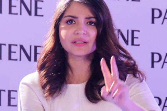 bollywood actress, anushka sharma ,Versova house, bmc notice