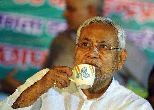 JDU support Modi government in both houses of parliament , JDU spokeperson KC tyagi , Nitish Kumar resignation , What happened in Bihar from last night after Nitish Kumar resigns , NitishGharWapsi , NitishKumar , Mahagathbandhan , Bihar, CM, Nitish resigns, BJP, Narendra modi, Sushil Modi, Lalu prasad Yadav, JDU, rjd, Tejaswi Yadav , Loksatta, Loksatta news, Marathi, Marathi news