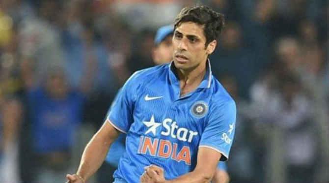 वन-डे प्रमाणे आशिष नेहराने टी-२० क्रिकेटमध्येही आपली पकड बसवली. भारताकडून आशिष नेहराने २६ टी-२० सामने खेळले असून यात ३४ विकेट मिळवल्या आहेत.
