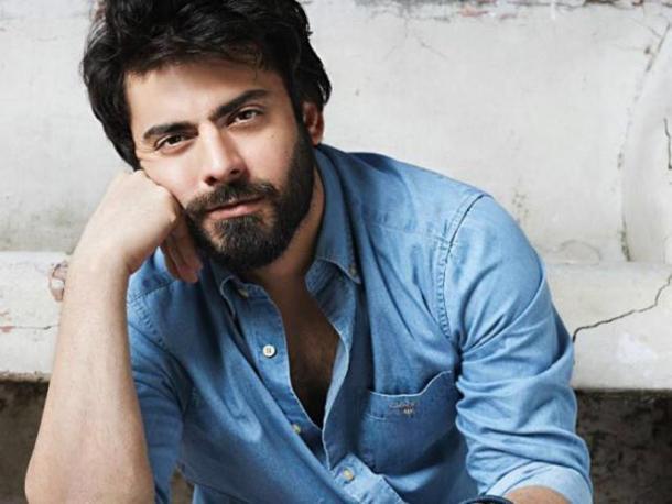 फवाद खान- पाकिस्तानी अभिनेता फवाद खानने 'सेक्सिएस्ट एशियन मेन २०१७' च्या यादीत सहाव्या स्थानावर आहे.