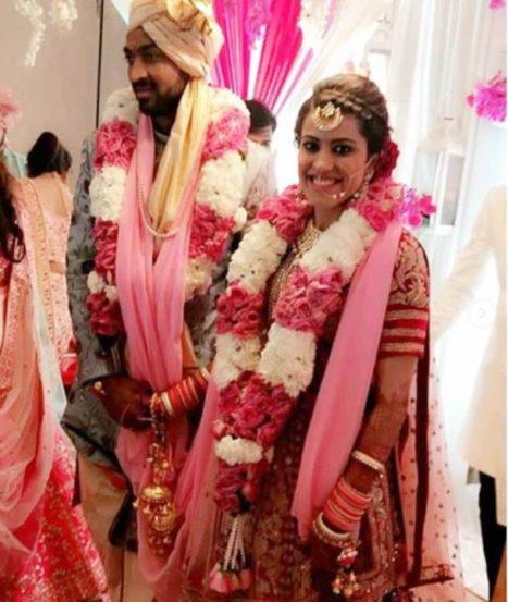 कृणालने त्याची प्रेयसी पंखुरी शर्मा हिच्याशी विवाह केला. (छाया सौजन्य : वरिन्दर चावला, सोशल मीडिया)