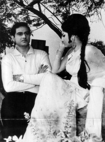 'हमसाया' चित्रपटाच्या सेटवर जॉय मुखर्जी आणि शर्मिला टागोर (छाया सौजन्य- एक्सप्रेस आर्काईव्ह्ज)