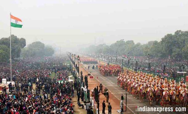 गणराज्य दिवस २६ जानेवारीला साजरा होतो आहे त्याचाच सराव मंगळवारी दिल्लीत पार पडला. धुरके आणि हलका पाऊस याची पर्वा न करता हा सराव झाला.