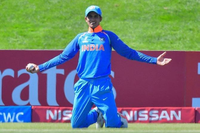 भारताने फलंदाजी, गोलंदाजीबरोबरच क्षेत्ररक्षणातीही अव्वल दर्जाची कामगिरी केली. भारतीय खेळांडूंमधील उत्साह मैदानात प्रत्येक क्षणी दिसून येत होता. गोलंदाजांना खेळाडूंनी चांगली साथ दिली. (छाया सौजन्य: ट्विटर)