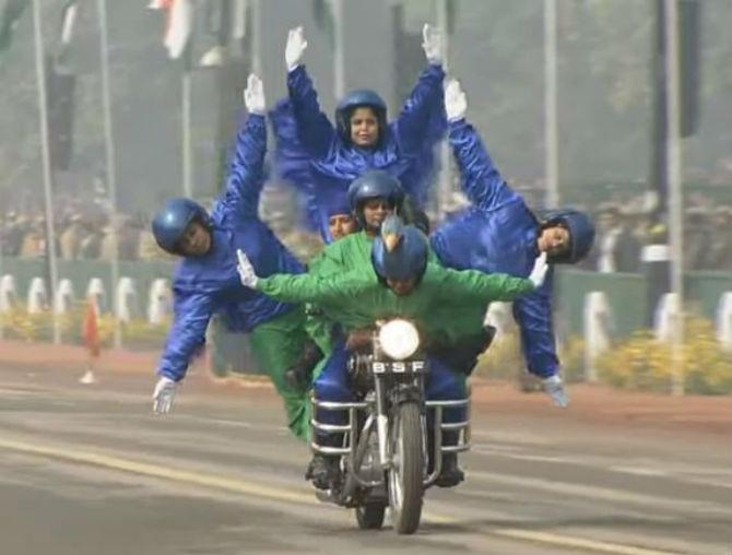 'सीमा भवानी' पथकात महाराष्ट्रातील ९ महिला जवानांचा समावेश आहे.