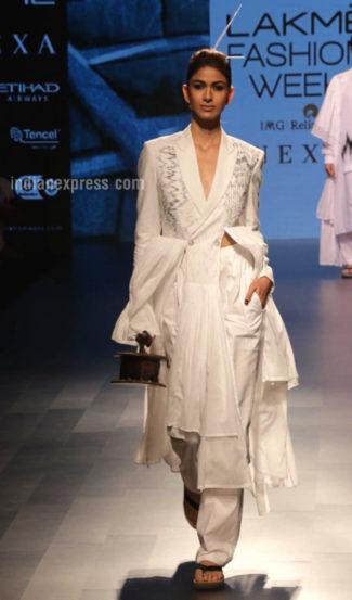 बदलणाऱ्या फॅशनची चाहूल घ्यायची तर 'लॅक्मे फॅशन वीक'ला पर्याय नाही.