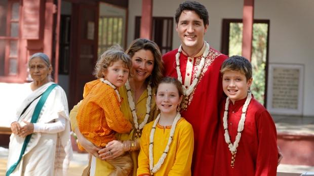 कॅनडाचे पंतप्रधान जस्टीन ट्रुडो सध्या भारत दौऱ्यावर आहेत. २४ फेब्रुवारीपर्यंतच्या या दौऱ्यात ते भारतातील काही महत्त्वाच्या शहरांना भेट देणार आहेत. ट्रुडो यांच्यासोबत त्यांची पत्नी आणि तीन मुलंही भारतभ्रमण करत आहेत. या दौऱ्यात विशेष लक्ष वेधून घेतोय तो त्यांचा सर्वात धाकटा मुलगा हेड्री.