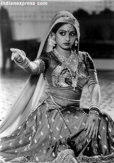 सोलवा सावन या चित्रपटातून श्रीदेवीने १९७८-७९ च्या दरम्यान हिंदी सिनेसृष्टीत प्रवेश केला. त्यानंतर १९९७ पर्यंत पुढची १८-१९ वर्षे ती हिंदी सिनेसृष्टीवर अधिराज्य गाजवत राहिली.
