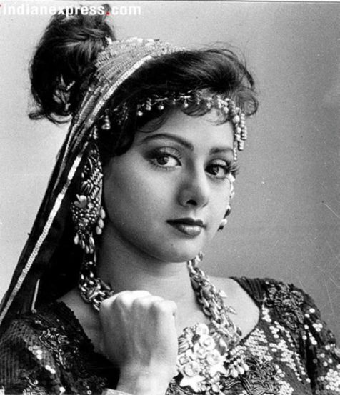 निर्माते, दिग्दर्शक बोनी कपूर यांच्यासोबत विवाहबद्ध झाल्यानंतर 'जुदाई' चित्रपटाचा अपवाद वगळता श्रीदेवी चित्रपटसृष्टीपासून दूर होत्या.