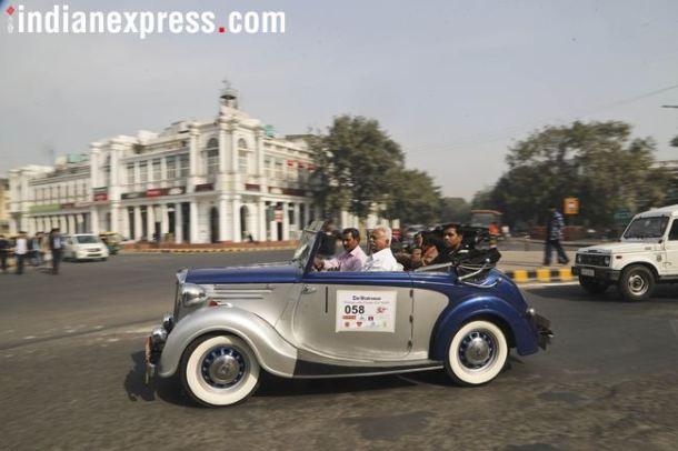 'व्हेस्पा', 'लॅम्ब्रेटा', 'विजय सुपर' या स्कूटर आणि 'राजपूत', 'ट्रायम्फ','बीएसए', 'रॉयल एन्फिल्ड' या मोटारसायकलीही रॅलीत दिमाखात धावल्या.