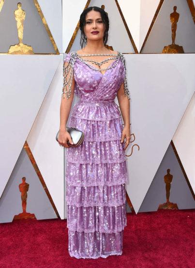 ऑस्करसाठी सलमानं फिक्कट जांभळ्या रंगाचा गाऊन परिधान केला होता. यात ती एखाद्या राजघराण्यातल्या व्यक्तीप्रमाणे दिसत होती.
