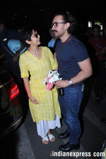 आमिरला वाढदिवसाचं सरप्राईज देण्यासाठी पत्नी किरण राव विमानतळावर  उपस्थित होती.