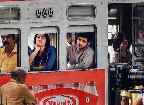 'धडक' हा नागराज मंजुळेंचा सुपरहिट मराठी चित्रपट 'सैराट'चा रिमेक आहे. चित्रपटाच्या पहिल्या सत्राचं शूटिंग मुंबईमध्ये पार पडलं. त्यानंतर आता दुसऱ्या सत्राचं शूटिंग कोलकातामध्ये सुरू आहे.