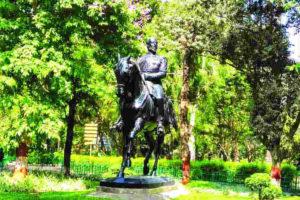 British era statue