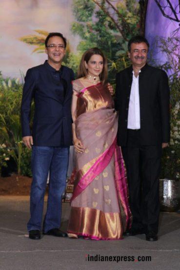 निर्माते विदू विनोद चोप्रा आणि राजकुमार हिरानी यांच्यासोबत अभिनेत्री कंगना रणौत