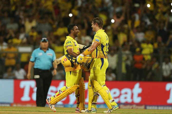 सुरेश रैना माघारी परतल्यानंतर शेन वॉटसनने अंबाती रायडूच्या साथीने चेन्नईच्या विजयावर शिक्कामोर्तब केलं.