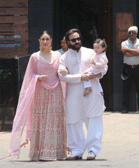 करिना कपूर खान, सैफ अली खान, तैमुर (छाया सौजन्य- फिल्मफेअर / इन्स्टाग्राम)