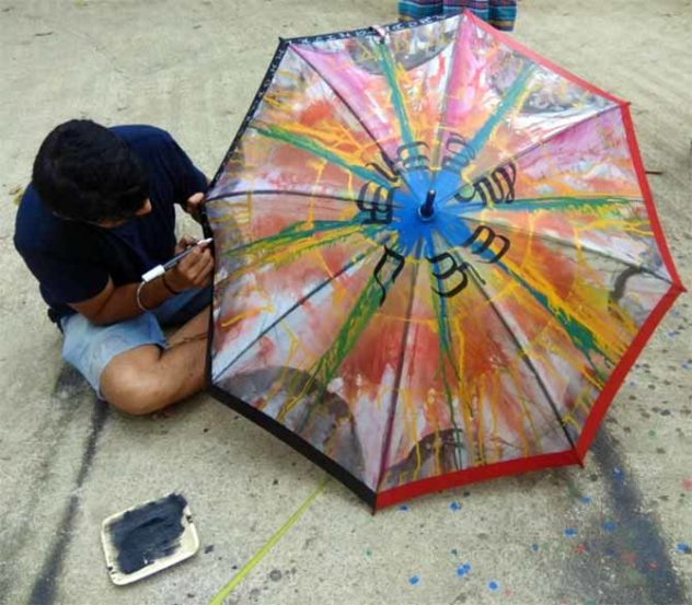 नुकतंच मुक्ताक्षरे कॅलिग्राफी स्कूल ऑफ आर्टचं अम्ब्रेला वर्कशॉप पार पडलं