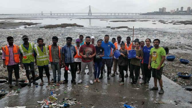 (छाया सौजन्य- Mahim Beach Clean Up)
