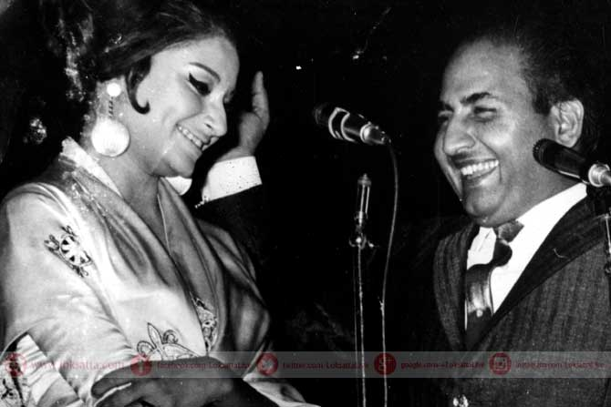 अभिनेत्री शर्मिला टागोर आणि मोहम्मद रफी. (छाया सौजन्य- एक्स्प्रेस आर्काइव्ज)