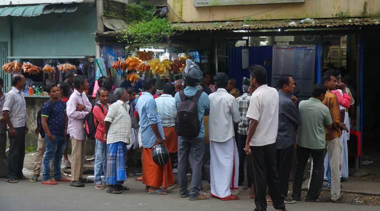 केरळमध्ये आता कुठे जनजीवन पूर्वपदावर येत असल्याचं पाहायला मिळत आहे. (छाया सौजन्य- Nirmal Harindran)
