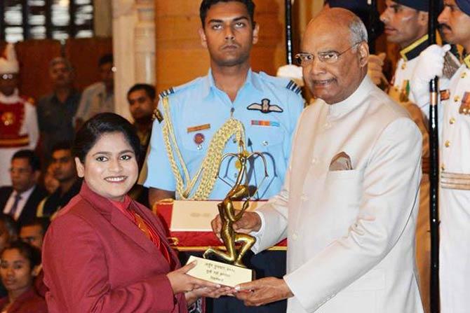 महाराष्ट्राच्या राही सरनौबतलाही यंदा अर्जुन पुरस्काराने गौरवण्यात आलं. दोन वर्षाच्या दुखापतीमधून सावरत राहीने यंदाच्या आशियाई खेळांमध्ये सुवर्णपदकाची कमाई केली होती.