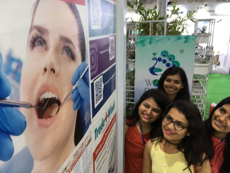 इंडियन डेंटल असोसिएशनने मुंबईत नुकताच मोठा वर्ल्ड डेंटल शो आयोजित केला होता. त्यामध्ये दातांच्या आरोग्याबाबत जनजागृती करण्यात आली.