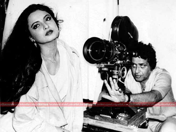 बॉलिवूडप्रमाणेच त्यांनी तेलगू चित्रपटामध्येही काम केलं आहे. बी रेखा या नावाने त्या आजही तेलगू चित्रपटसृष्टीत ओळखल्या जातात.