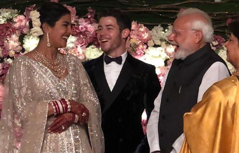 रिसेप्शनला पंतप्रधान नरेंद्र मोदींनीदेखील हजेरी लावत प्रियांका आणि निकला भावी आयुष्यासाठी शुभेच्छा दिल्या
