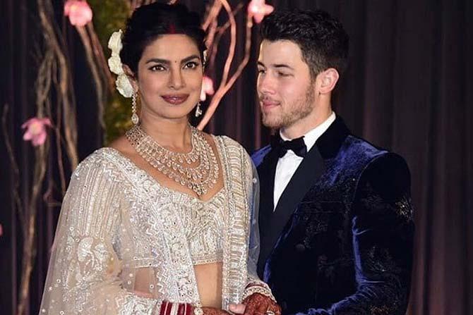 बॉलिवूडची 'देसी गर्ल' अर्थात अभिनेत्री प्रियांका चोप्रा आणि अमेरिकन गायक निक जोनास  यांचं ग्रँड रिसेप्शन दिल्लीत पार पडलं.