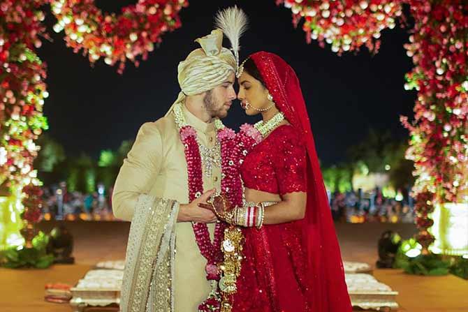 रविवारी २ डिसेंबर रोजी पारंपरिक हिंदू पद्धतीने विवाह संपन्न झाला. जोधपूरमधल्या उमेद भवन पॅलेसमध्ये हा विवाहसोहळा संपन्न झाला.