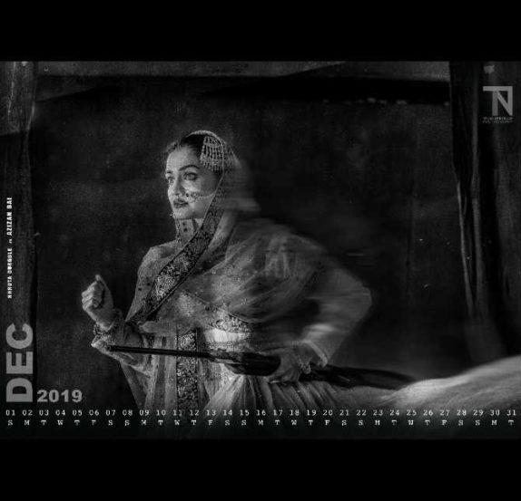 छायाचित्रकार तेजस नेरुरकर यांनी यंदा एक अनोखे कॅलेंडर तयार केलं आहे. 'वंदे मातरम् २०१९' या त्यांच्या कॅलेंडरच्या माध्यमातून त्यांनी स्वातंत्र्यवीरांना मानाचा सलाम केला आहे. (छाया सौजन्य : तेजस नेरुरकर)