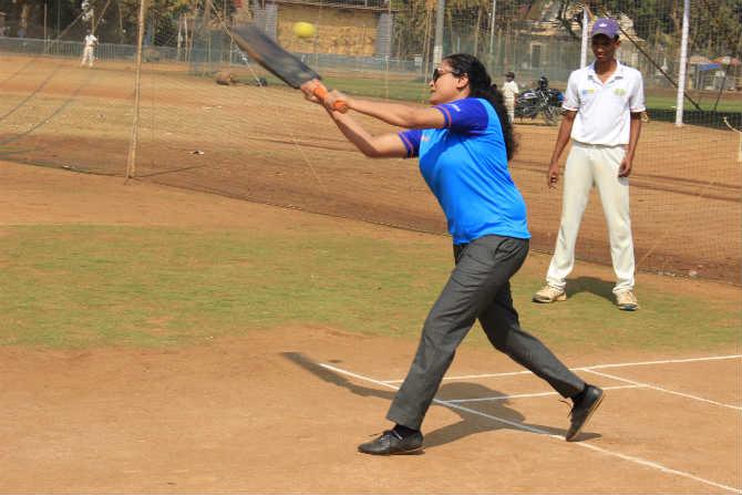 संपूर्ण टीमने प्रकाश जाधव क्रिकेट अकॅडमीच्या विद्यार्थ्यांसोबत सामना खेळला. विशेष म्हणजे यावेळी त्यांनी प्रकाश जाधव क्रिकेट अकॅडमीच्या खेळाडूंवर मात करत, हा अटीतटीचा सामना जिंकला.