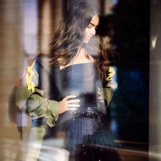 Vogue India साठी इशाचं खास फोटोशूट